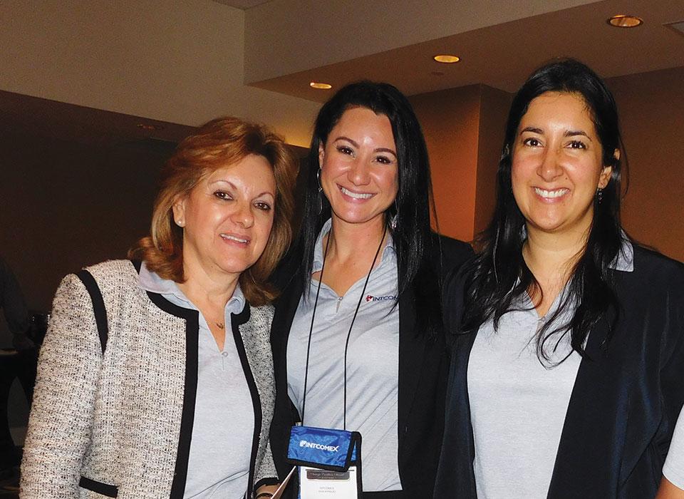 Olga Salcedo, Ana Paula Araujo and Sandra Barahona